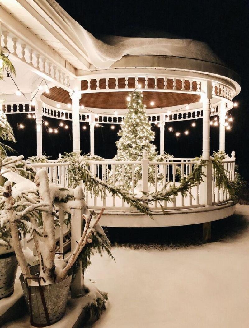 winter deck ideas - gazebo - porch - xmas tree