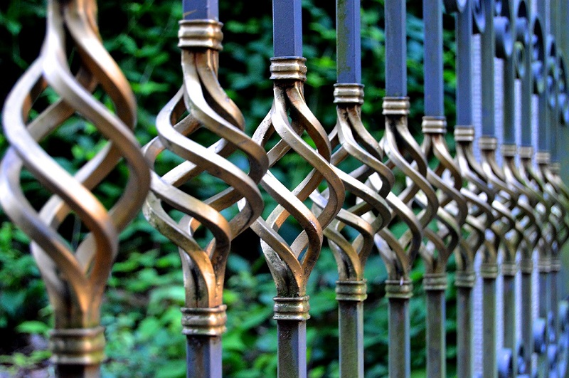 iron gate resize